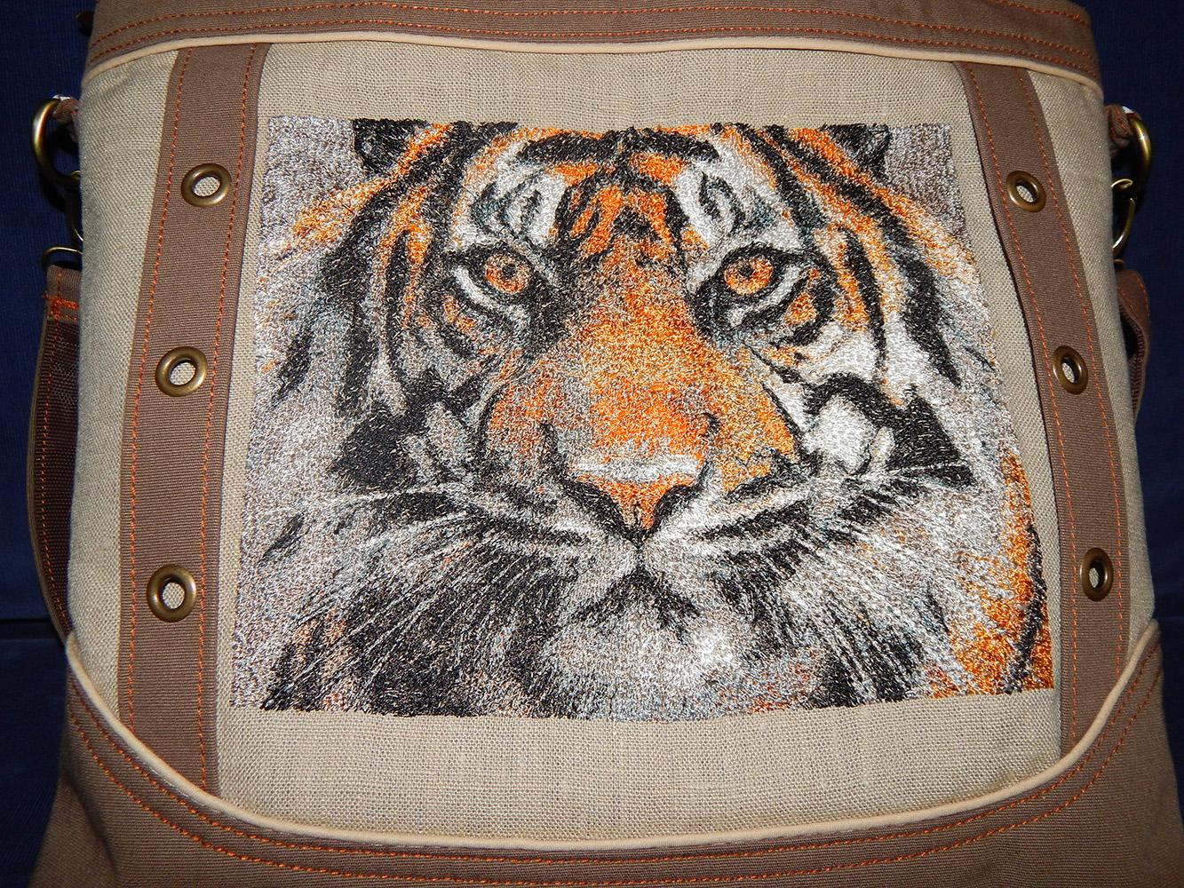 Woman Bag with tiger free embroidery design