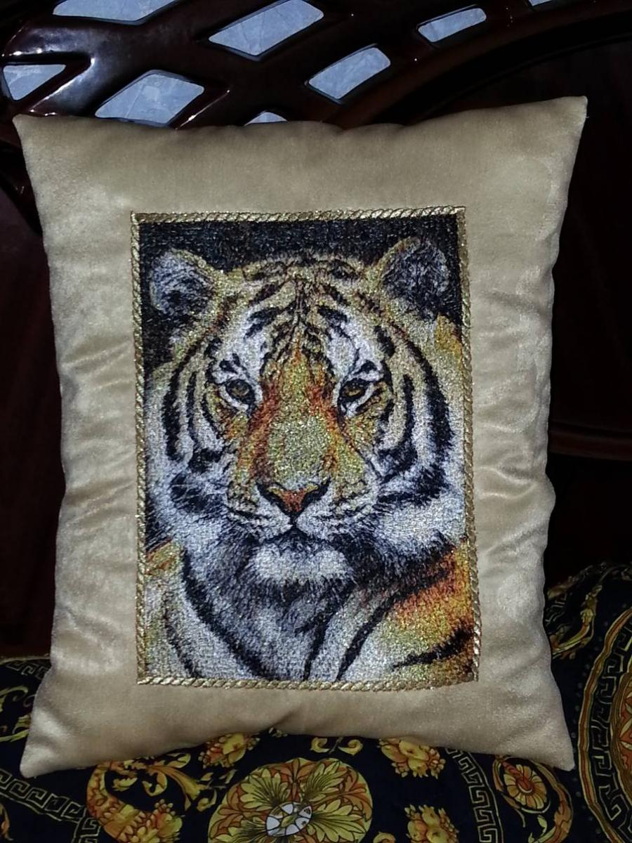 Cushion with tiger photo stitch embroidery design