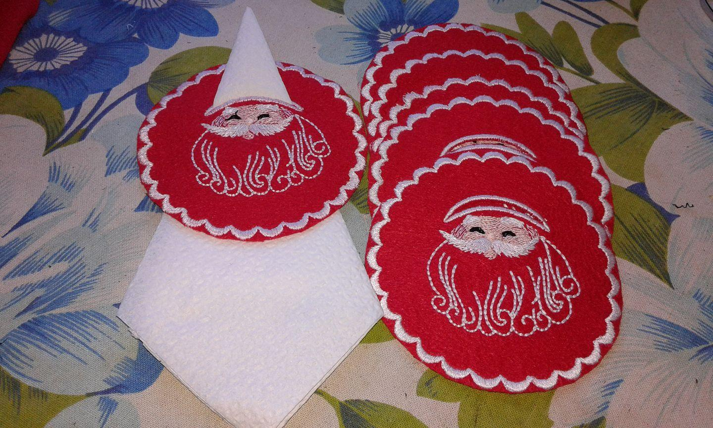 Serviette with Santa free embroidery