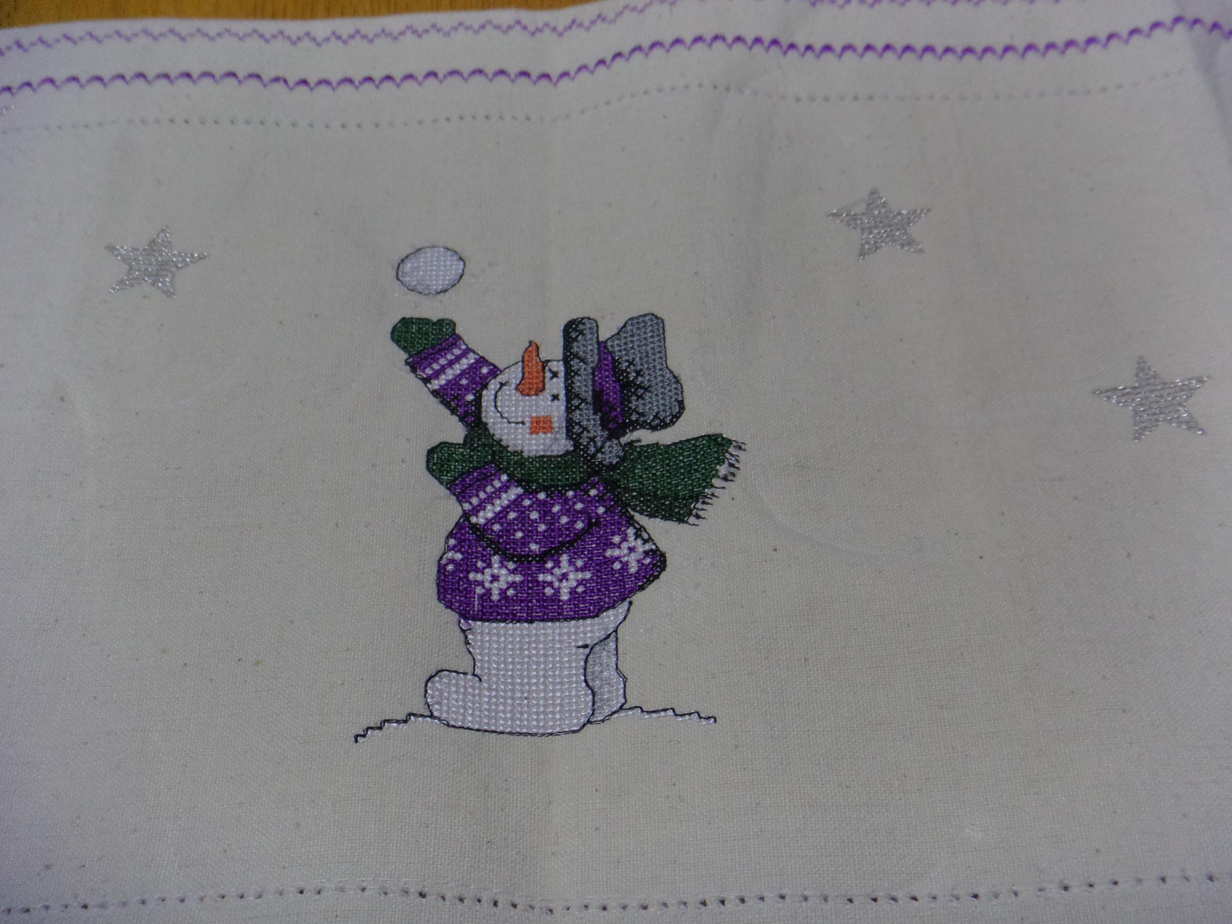 Snowman snowgame cross stitch free embroidery design