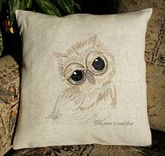 Cushion with Sleepy owl machine embroidery design