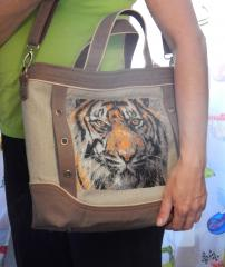 Bag with tiger free machine embroidery design