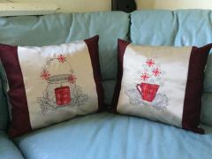 Christmas cushion with free cross stitch embroidery design