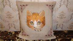 Cushion with cat free embroidery