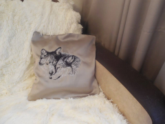 Cushion with wolves photo stitch free embroidery design