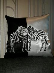 Cushion with zebras free embroidery design