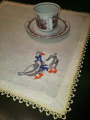 Embroidered napkin with family of geese free design