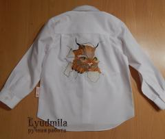 Embroidered shirt with cat free embroidery