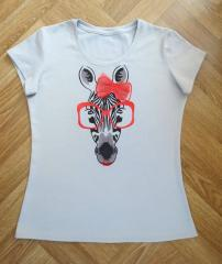Embroidered shirt with zebra free design