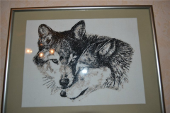 Framed wolves photo stitch free embroidery