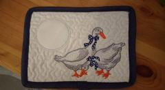 Kitchen napkin with two geese free embroidery design