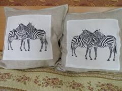 Two cushion with two zebras free embroidery