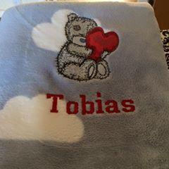 Napkin withTeddy Bear with a pillow heart machine embroidery design