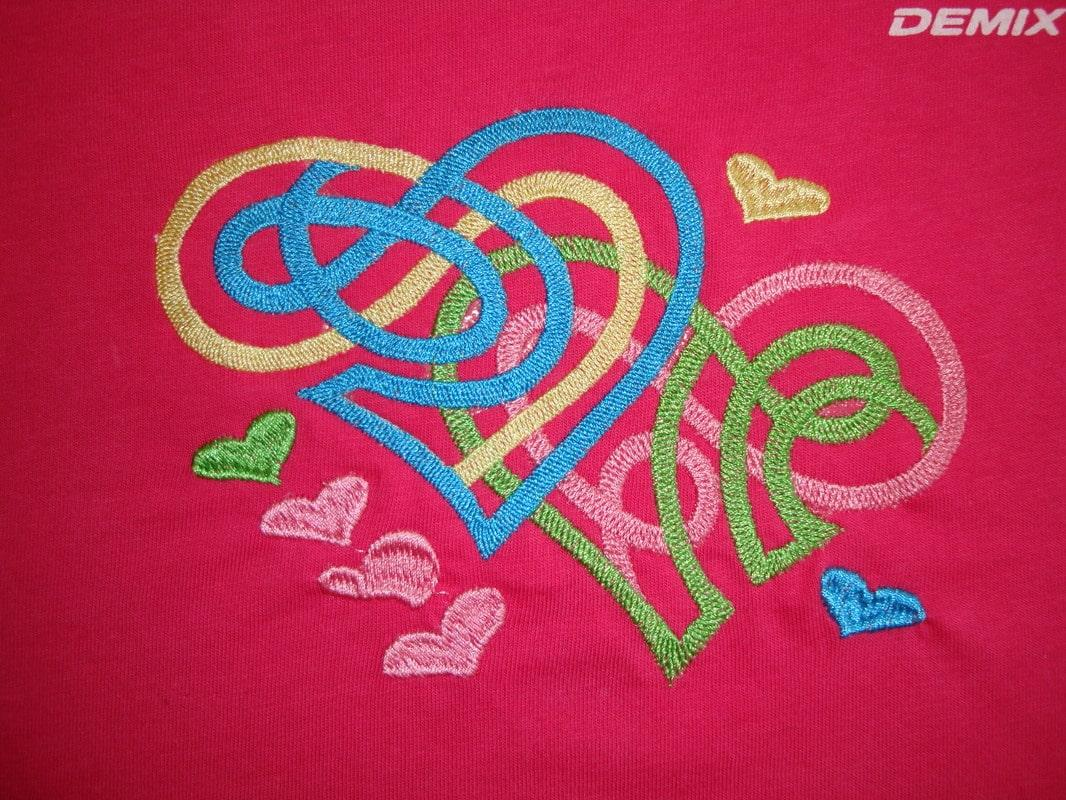 Abstract free embroidery design