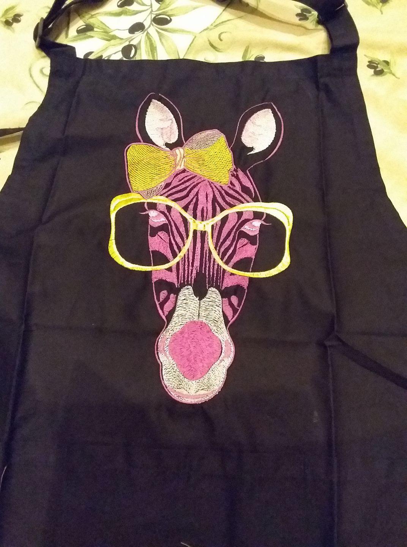 Kitchen apron with zebra free embroidery design