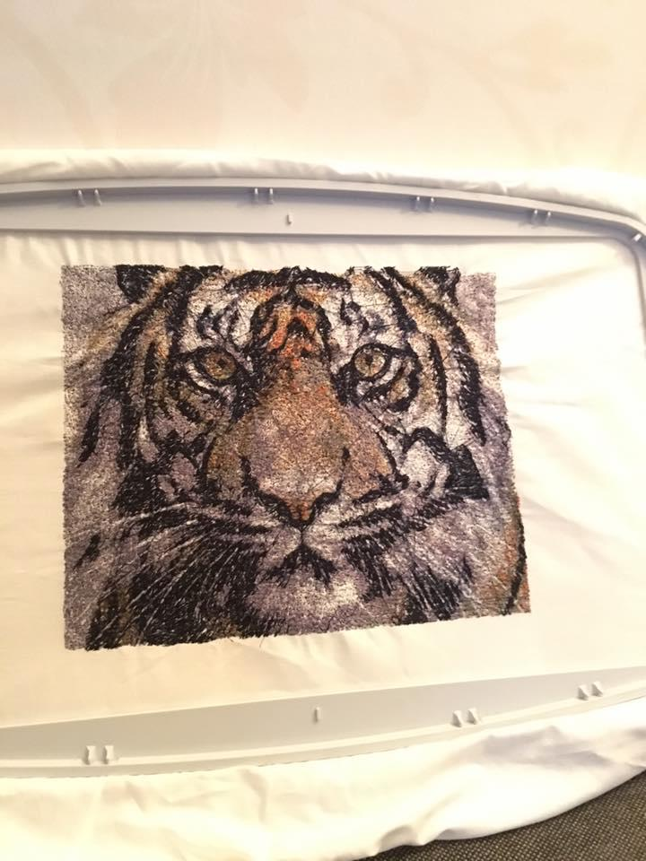Tiger photo stitch free embroidery in hoop