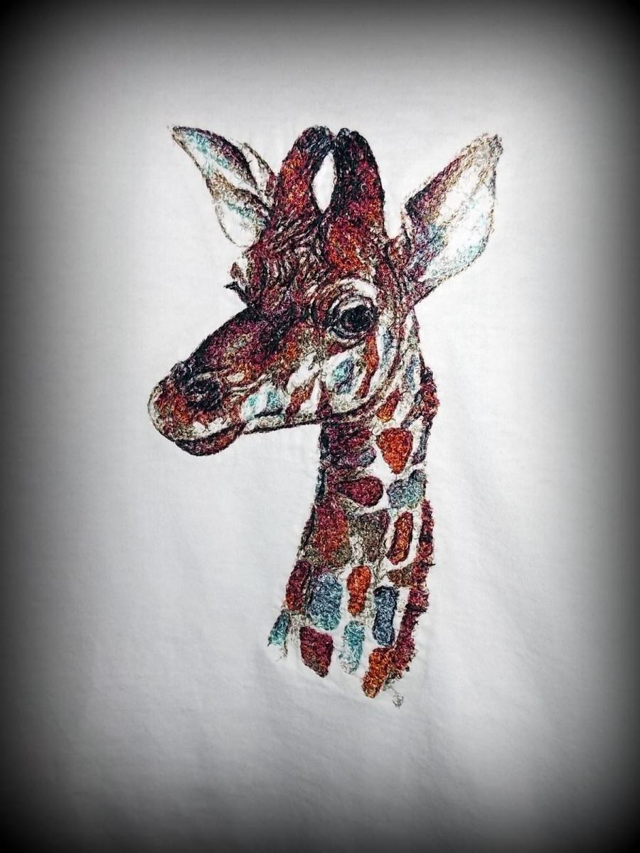 Giraffe photo stitch free embroidery