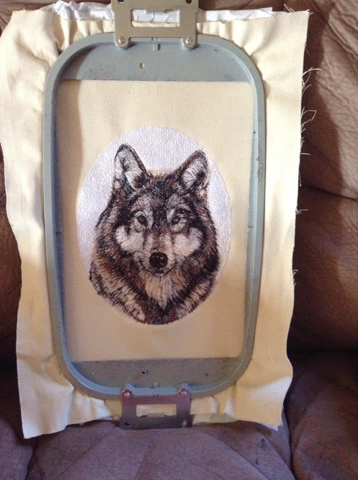 Wolf in hoop photo stitch free embroidery design