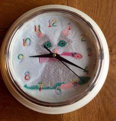 Clock with embroidered lovely kitty design