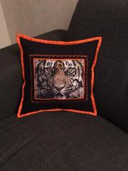 Cushion with tiger photo stitch free embroidery design