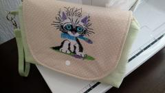 Small bag with cute kitty free embroidery design