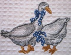 Two gooses free embroidery
