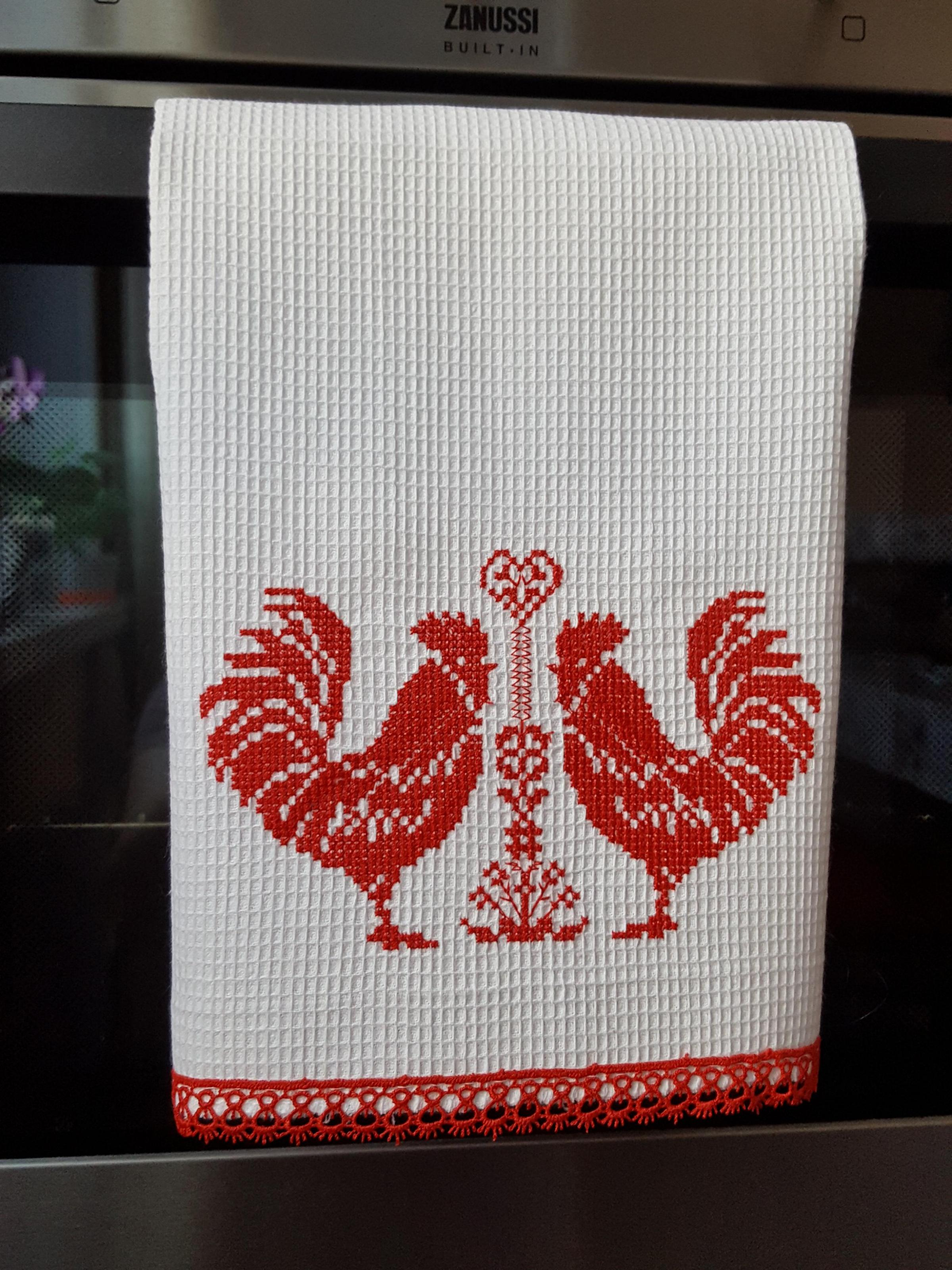 Kitchen towel with red roosters cross stitch free embroidery design