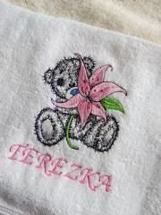 Embroidered towel with Teddy bear and lily design