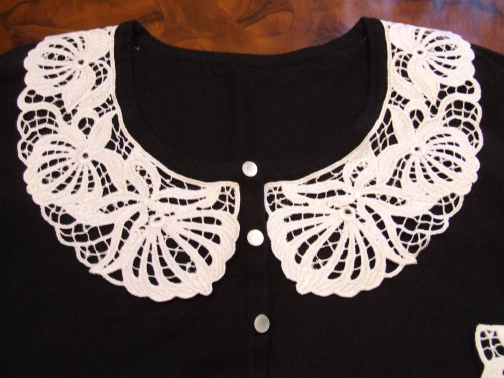 Collar lace free machine embroidery design