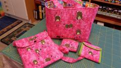Bags with funny frog embroidery designs