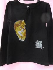 Women blouse with Cat and mouse embroidery design