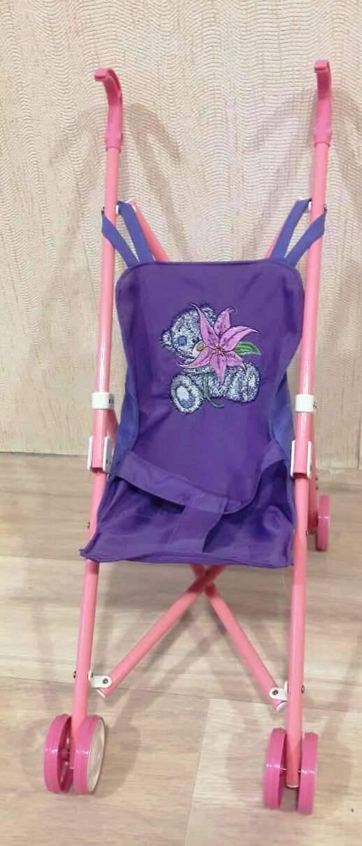 Carriage with Teddy Bear with lily embroidery design