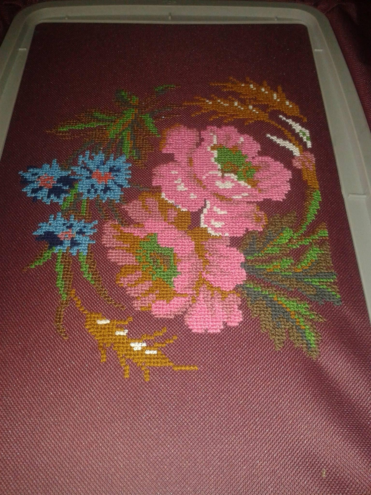 Flowers cross stitch free embroidery design