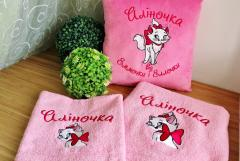 Cushion with Aristocat embroidery design