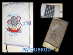 Envelope with Dumbo taking a bath embroidery design