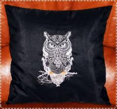 Owl on the pillow machine embroidery design