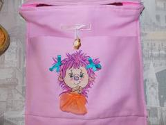 Bag with pink hedgehog free embroidery design