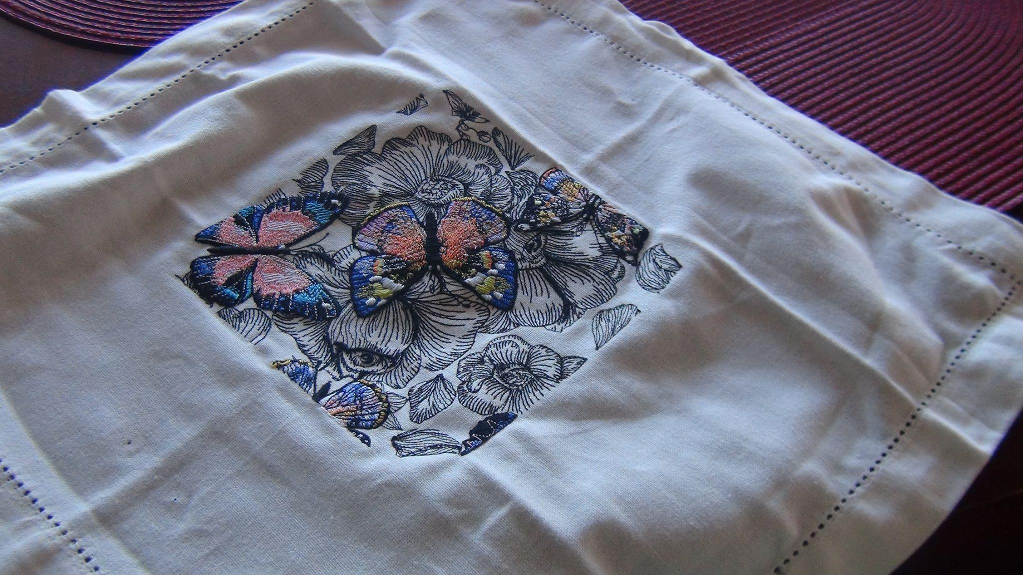 Cotton napkin with Gorgeous butterfly embroidery design