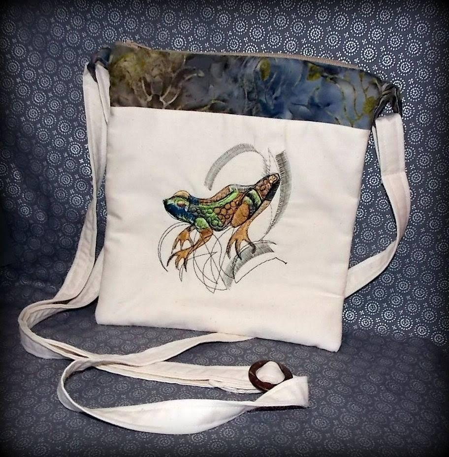 School bag with frog free embroidery design