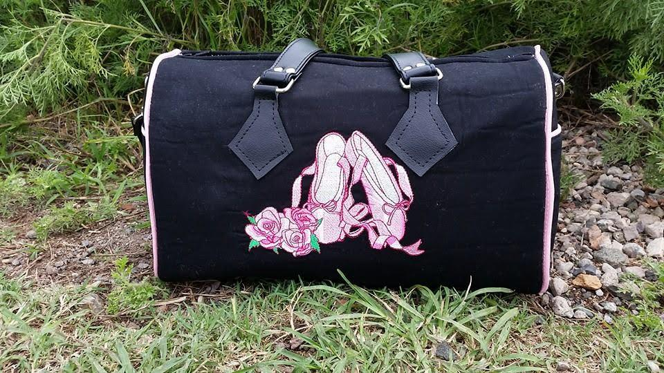 Embroidered sport bag pointe shoes and roses design