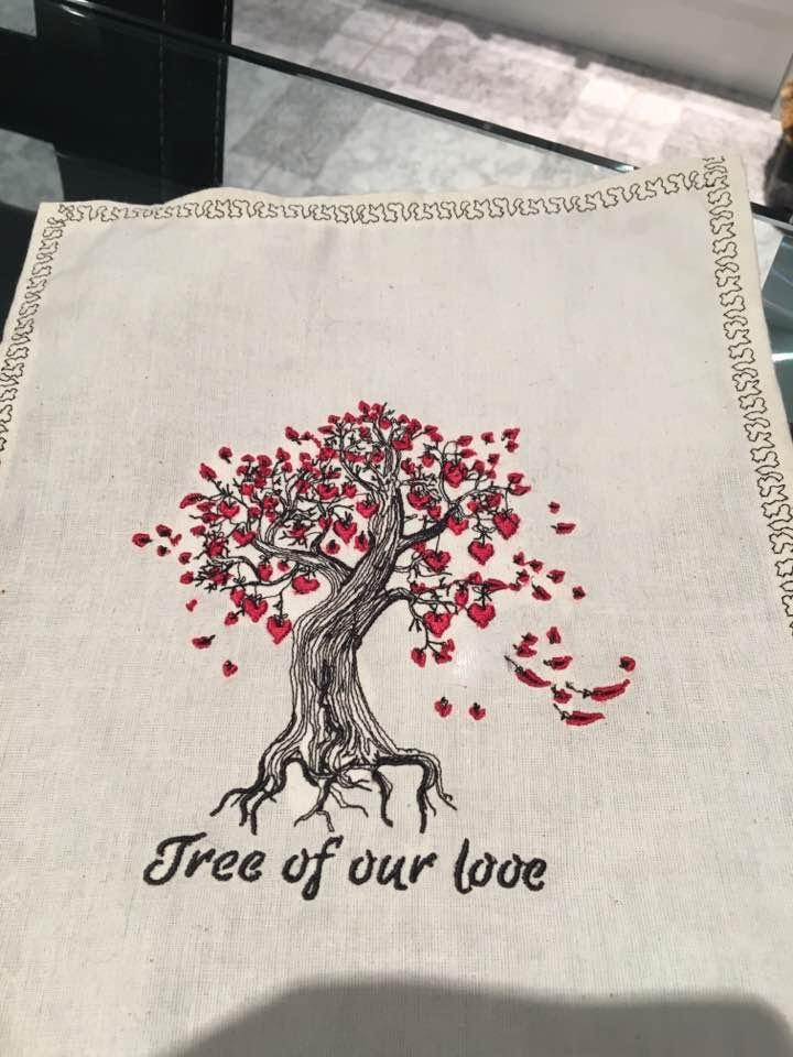 Napkin with Tree of our love machine embroidery design