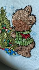 Little bear and Christmas tree embroidery design