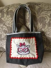 Bag with Stylish kitten embroidery design