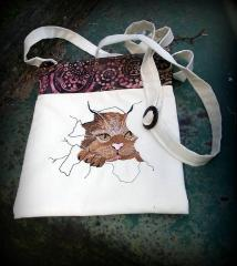 Bag with angry cat free embroidery design