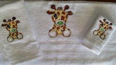 Set of towels with Twiggy Giraffe design