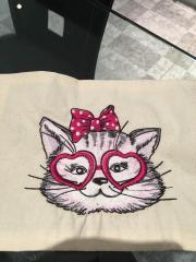 Stylish kitten machine embroidery design