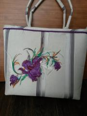 Bag with big swirl Iris embroidery design