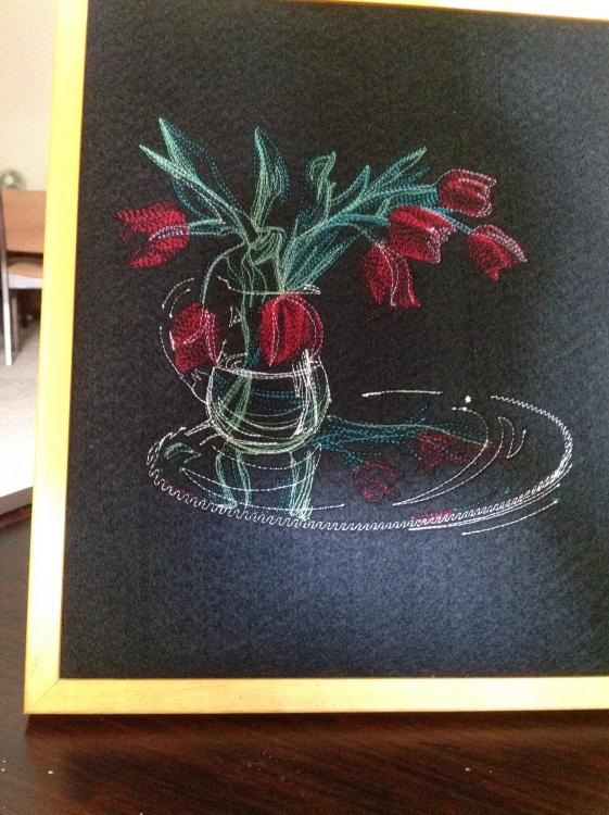 light flower in vase free_embroidery design