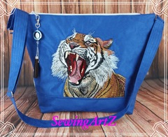 Bag with angry tiger free embroidery design