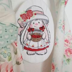 Bunny Mi embroidery design